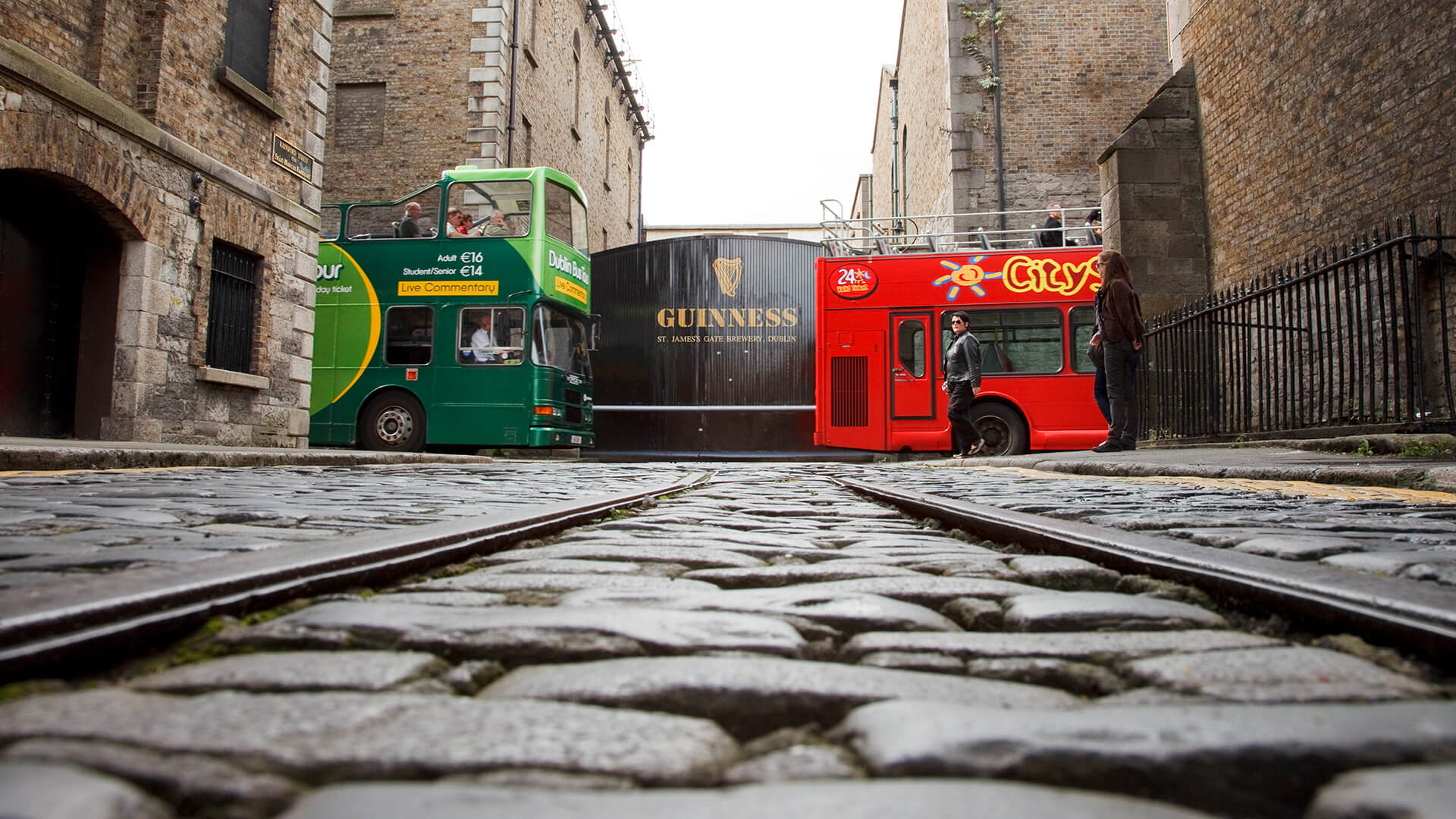 http://Guinness%20Gates%20and%20Dublin%20Tourism%20Buses
